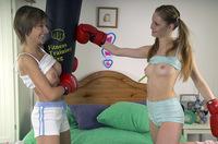 Young Lesbians Portal Vend-o.com s5